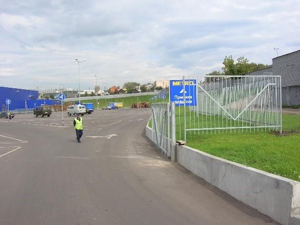 Монтаж ворот и секционного ограждения