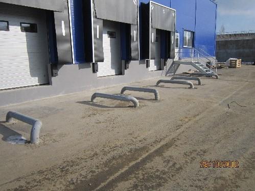 монтаж колесоотбойников ОМ168 с отводами путем бетонирования