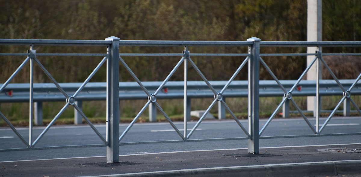 Монтаж дорожных ограждения стоимость